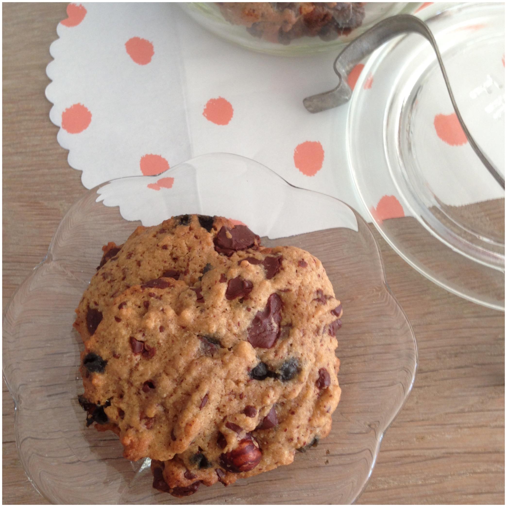 Cookies med chokolade, nødder og lakrids