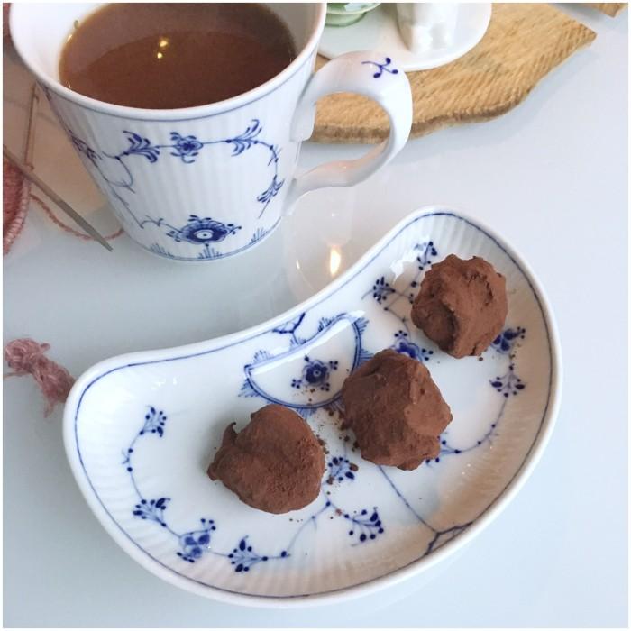 Chokoladetrøfler med brombær og rom