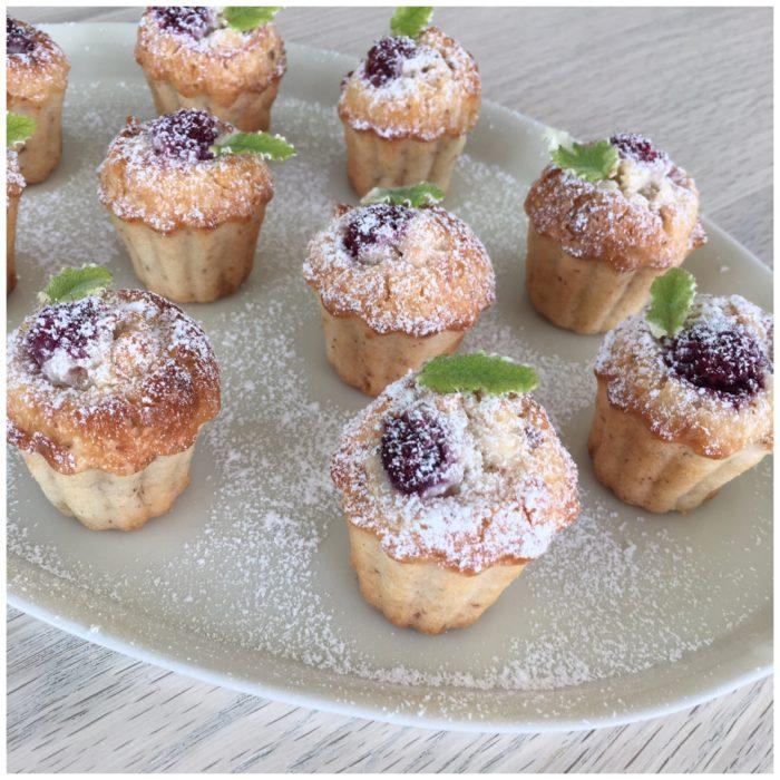 Små hindbærmuffins