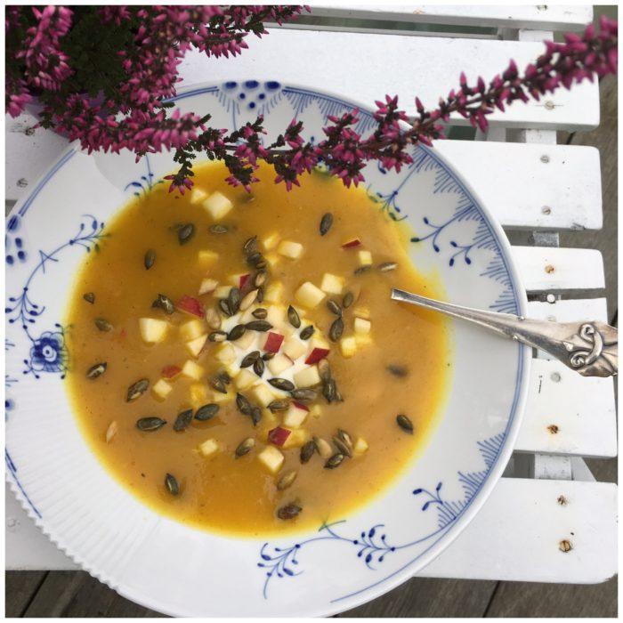 Græskarsuppe med varme krydderier