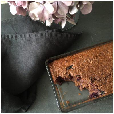 Lækker bagt morgengrød med smag af chokolade