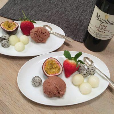 Chokolademousse med frugt