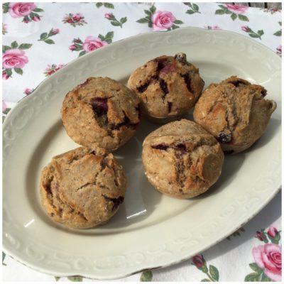 Grov gode muffins med blåbær