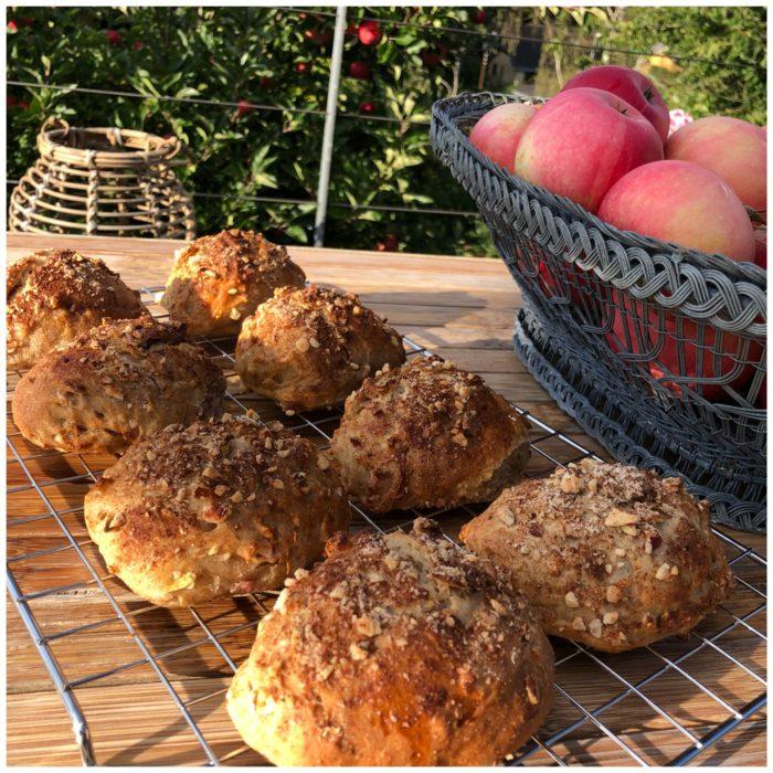 Æbleboller med sprød og knasende top