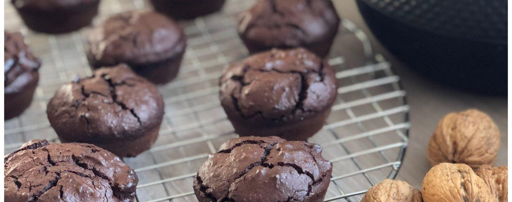 Chokolademuffins med bønner  og efterårsdage