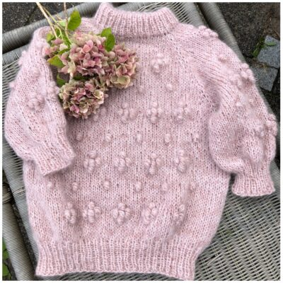 """Sweater No 2 i farven """" mormors frugtfromage"""""""